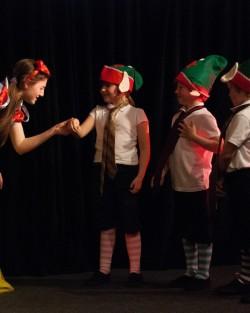 Snow White & 3 dwarves